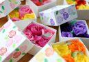 バレンタインに、消しゴムはんこと「お花紙」でバラBOX